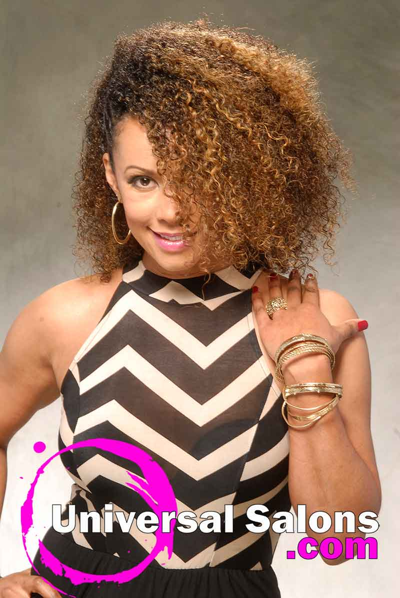 This Curly Natural Hairstyle is Versatile and Chic (3)