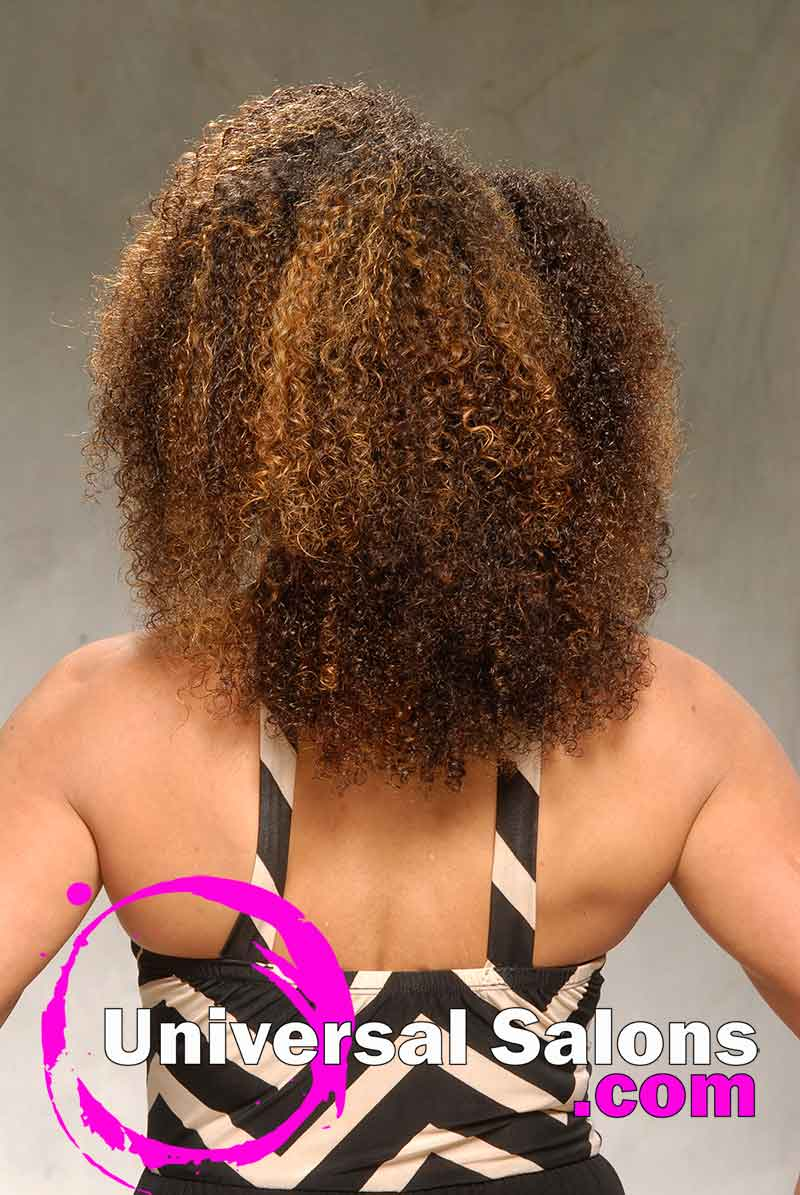 This Curly Natural Hairstyle is Versatile and Chic (6)