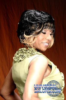 Short Hairstyle with Hair Color from Vonchelique Liggins