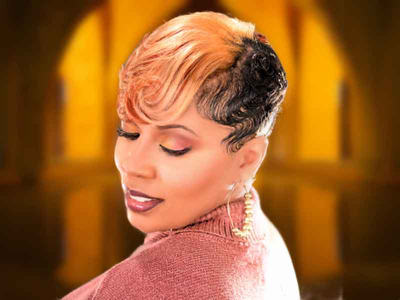 Stunning Short Blonde Hairstyle for Black Women
